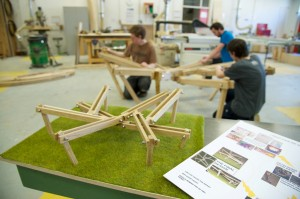OneOak Spider Bench by Ian Smith