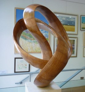 Richard Fox sculpture trefoil moebius